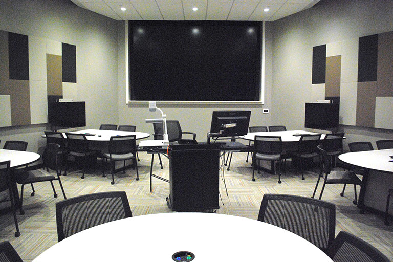 Learning space LE104 in Lecture Hall on IUPUI campus.